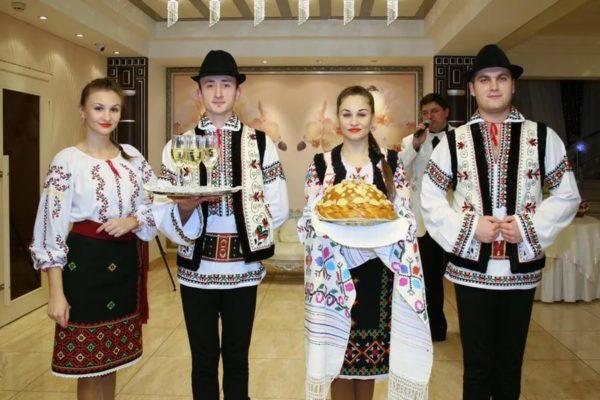 """МВФ в Молдове - хлебом и солью, """"кражу века"""" на плечи граждан"""
