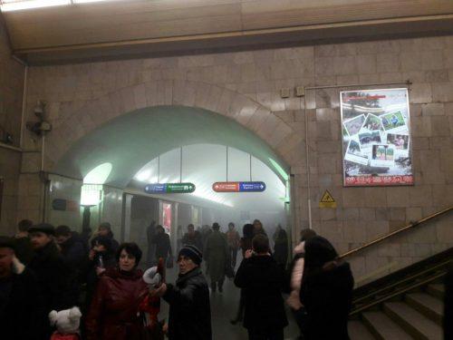 Очевидцы рассказывают о взрывах в метро в Санкт-Петербурге