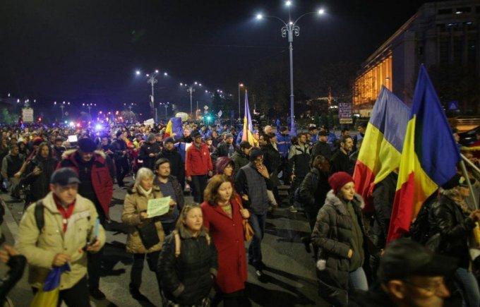 ВБухаресте неменее 10-ти тыс. румын вышли намитинг из-за судебной реформы
